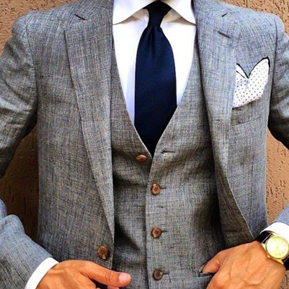 Picture of Grey textured three-piece suit