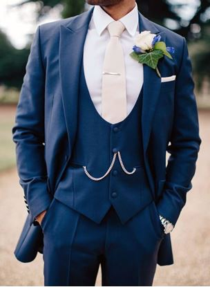 Picture of Navy blue three-piece suit